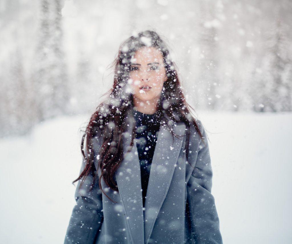 雪 冬 女性