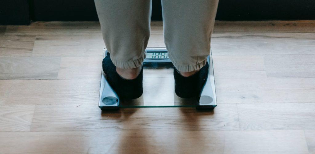 体重計 測定 あし